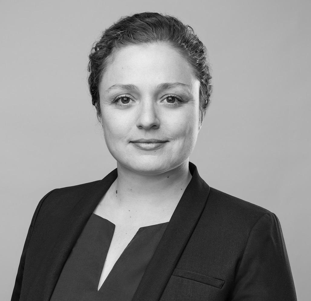 Lena Kern_quadratisch_klein sw