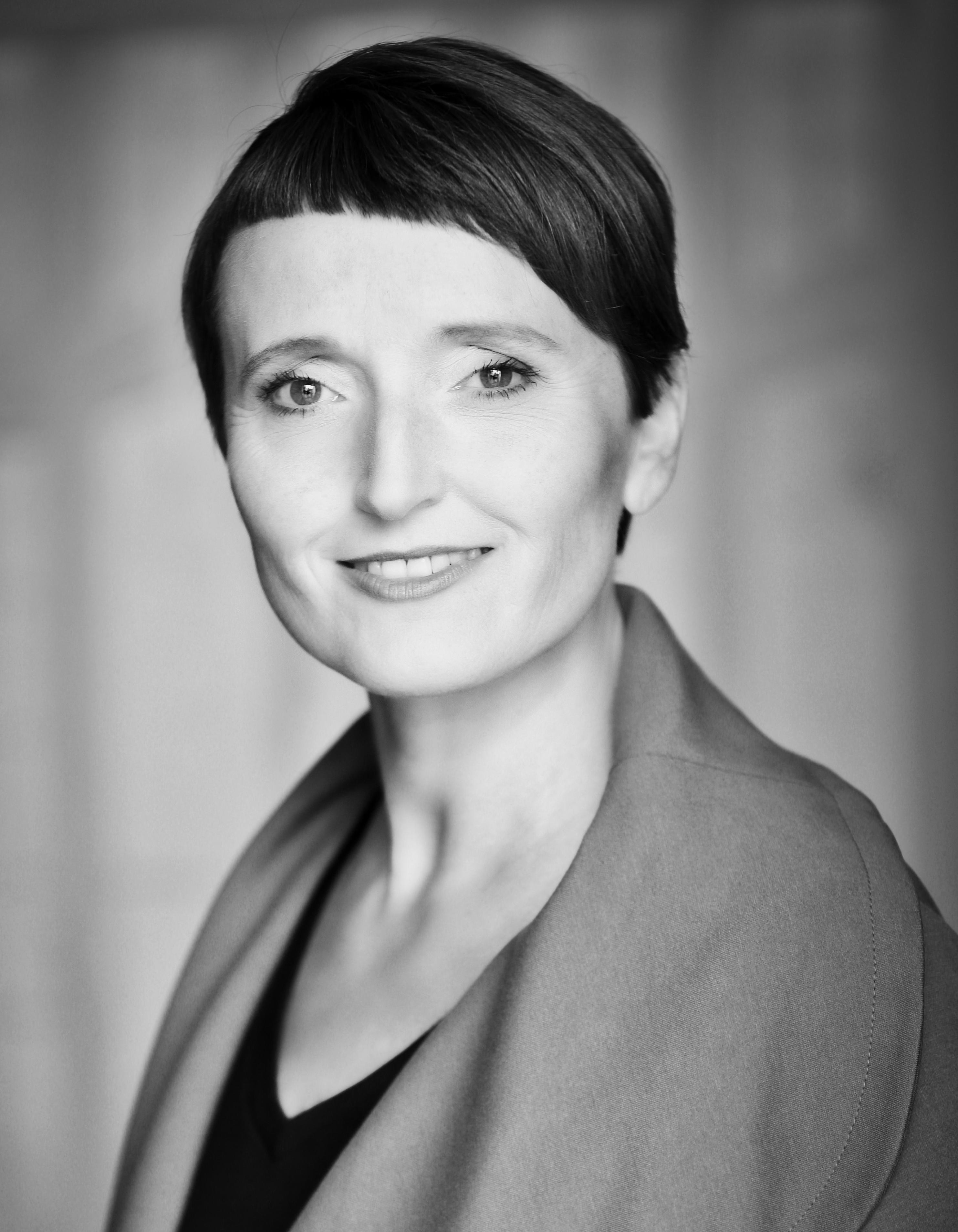 Nicole Kösegi sw