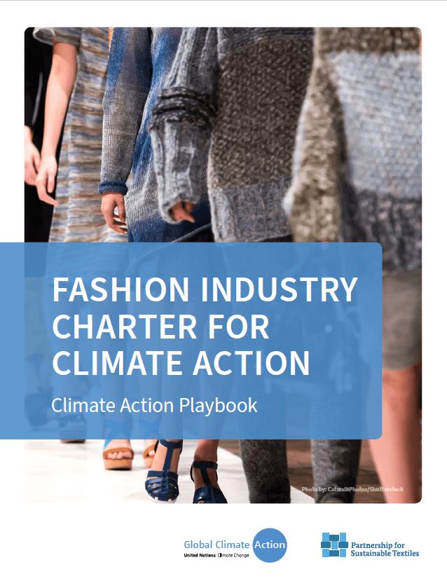 Coverbild UNFCCC Playbook on Climate Action, man sieht die Ärmel von Personen auf einem Laufsteg